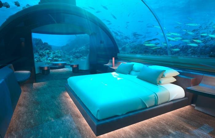 На Мальдивах появилась первая вилла с видом на подводный мир