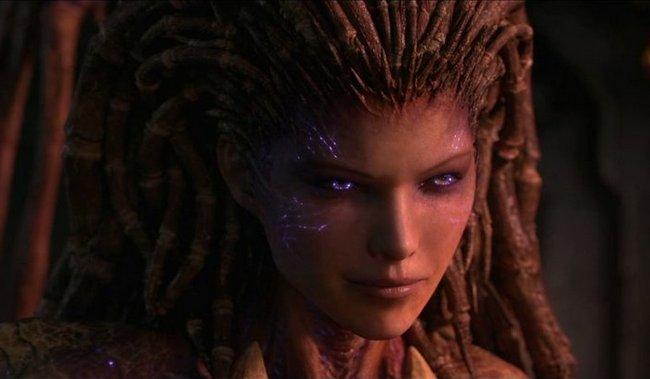 Захватывающий косплей - Сара Керриган из StarCraft 2