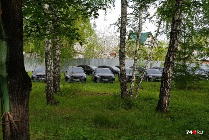 В лесу под Челябинском нашли полсотни новых VIP иномарок