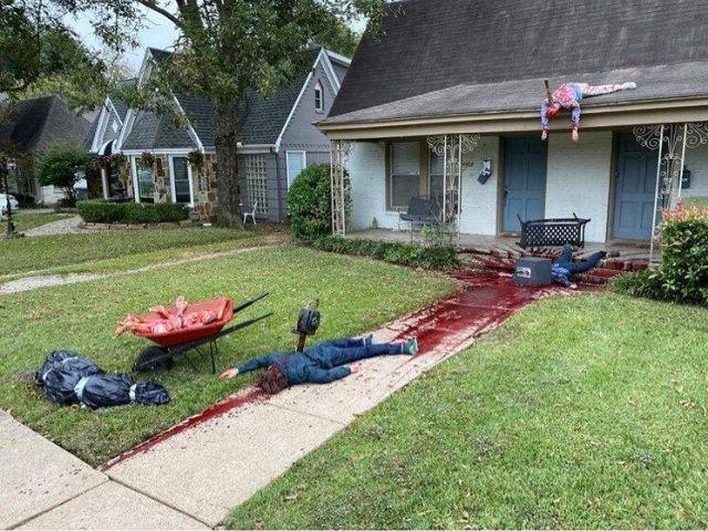 Американец украсил дом на Хэллоуин!