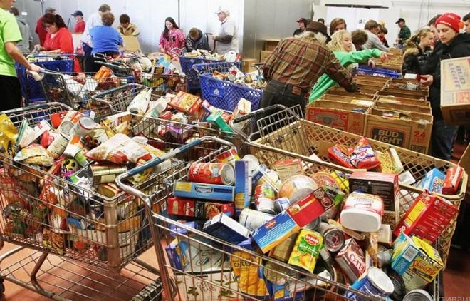 Корзина бесплатного питания безработных в США