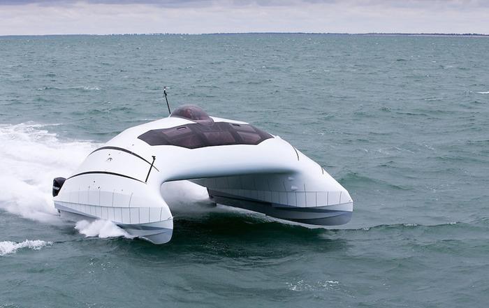 Во Франции построили катамаран, который взлетает над водой